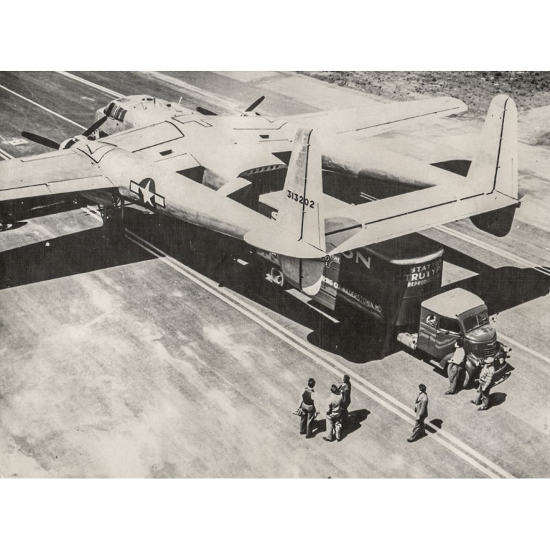 U.S. Air Force: Flugzeug auf dem Transport zur Front in Ostasien. Original Fotografie (1944-45)