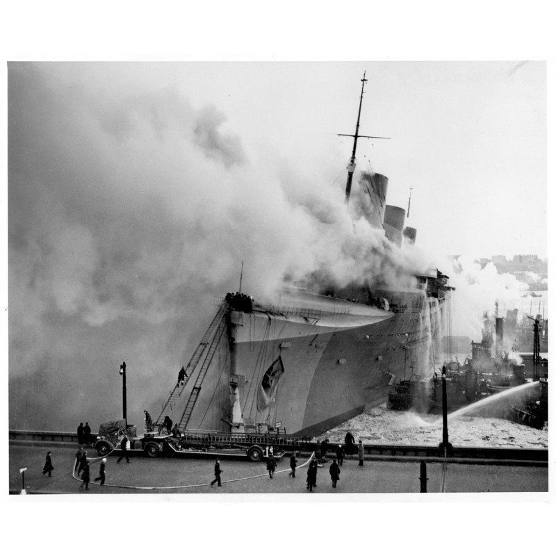 "Fire on the passanger liner ""Normandie"" at Pier 88, New York harbour. Original photography."