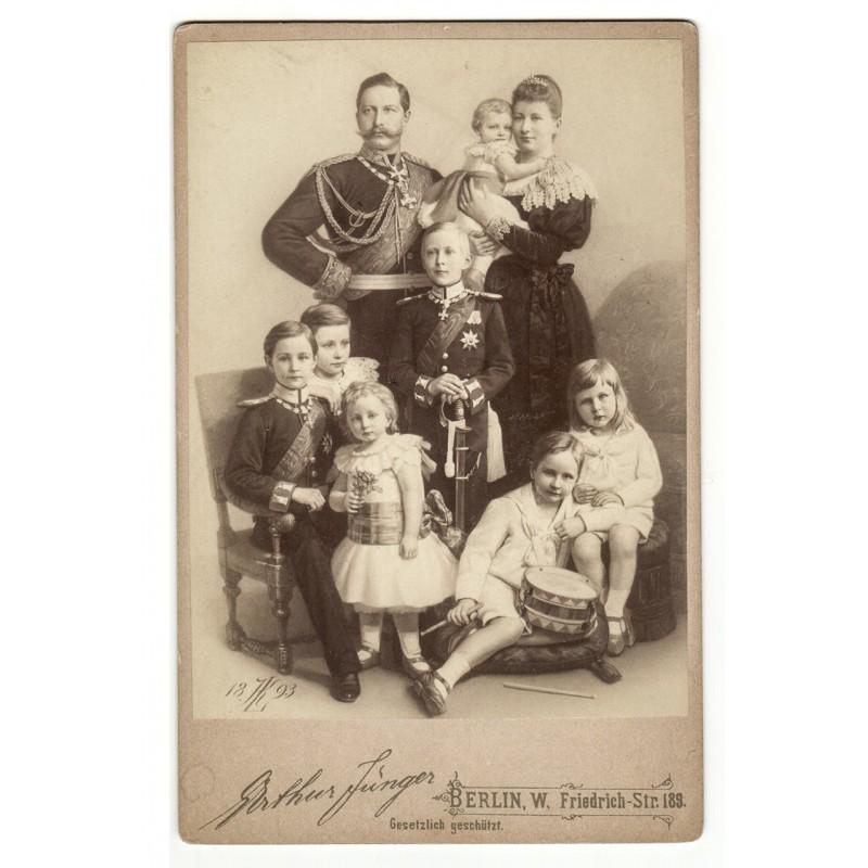 Kaiser Wilhelm II und seine junge Familie. Original-Fotografie (1893)