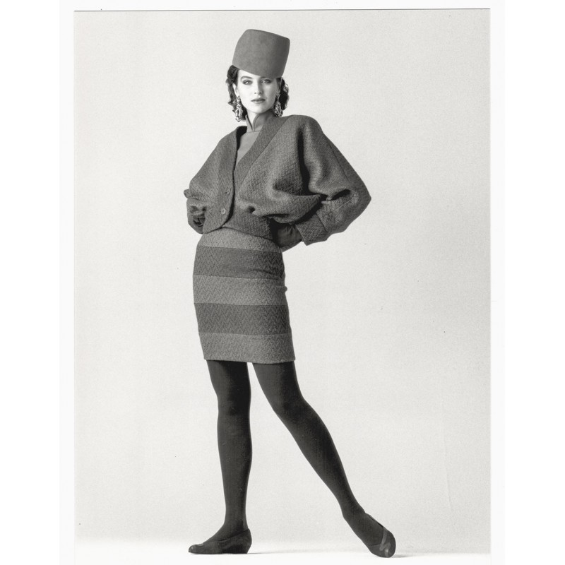 Fashion photo: GAFFNEY, Joe: Veste de Lainage Violet. Original photography (1987).