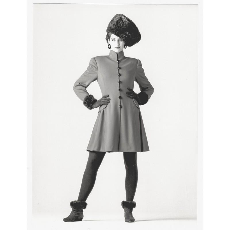 Fashion photography: GAFFNEY, Joe: Manteau court de jersey. Original photography (1987)