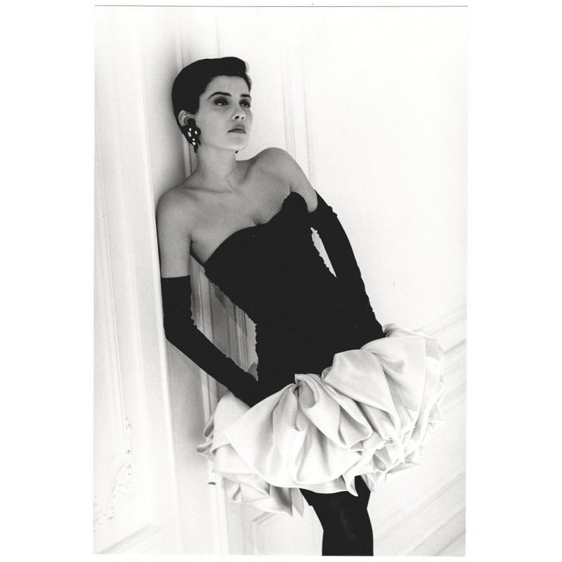 Fashion photography: MARTINEAU, Guy: Robue de verlours de soie. Original photography (1987)