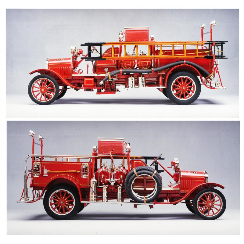 du Bois-Reymond: 1926 FORD Model TT Triple Combination Pumper.  Studio colour slide (1970th)