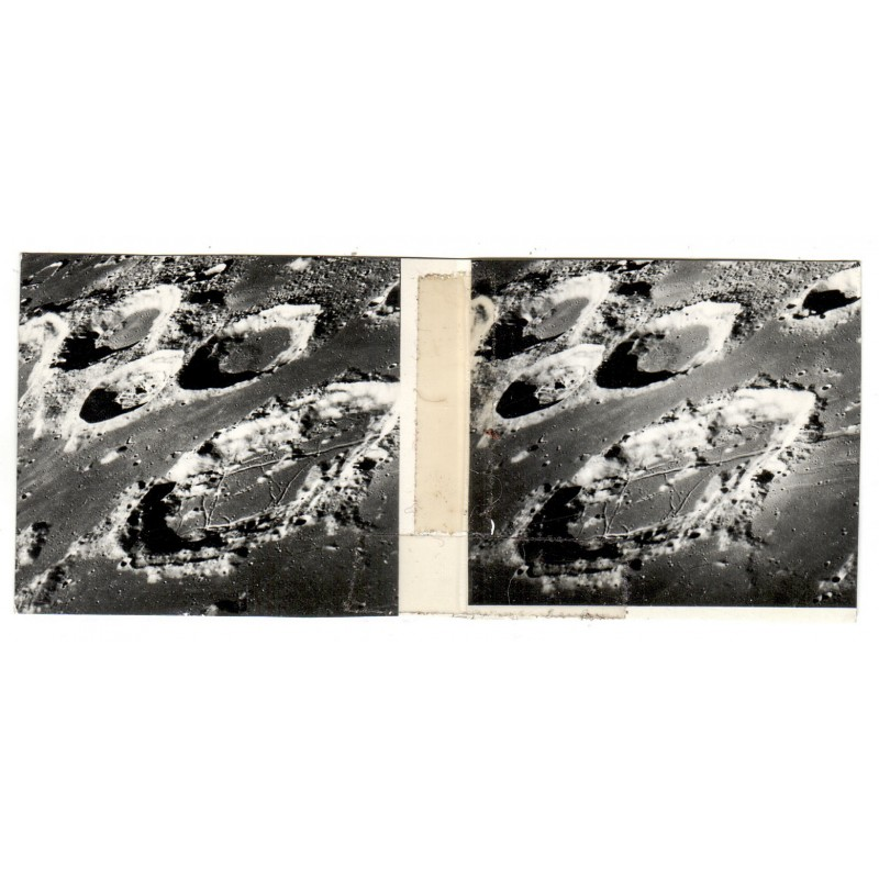 NASA: Detail der Mondoberfläche. Stereo-Fotografie. Silbergelatine-Abzug (1967)