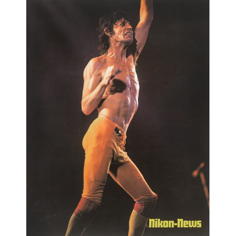 "Nikon-News: Heft No. 02 / 1984. Themenheft ""Showtime: Titelbild: Mick Jagger on stage"