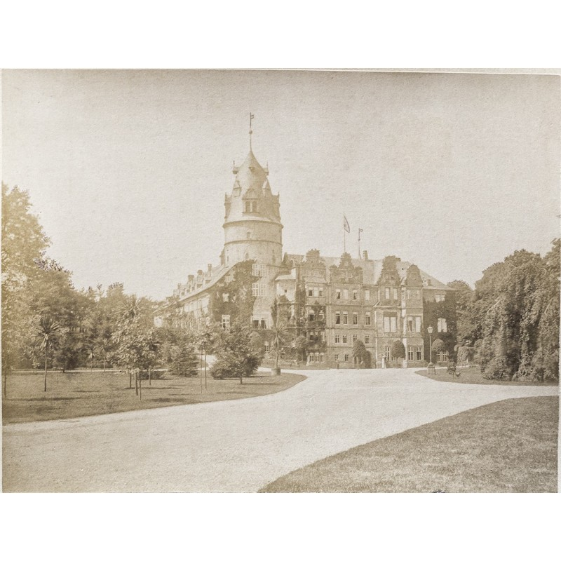 MENCKE: Schloss Detmold. Original-Fotografie. Albumin Abzug (ca. 1870)