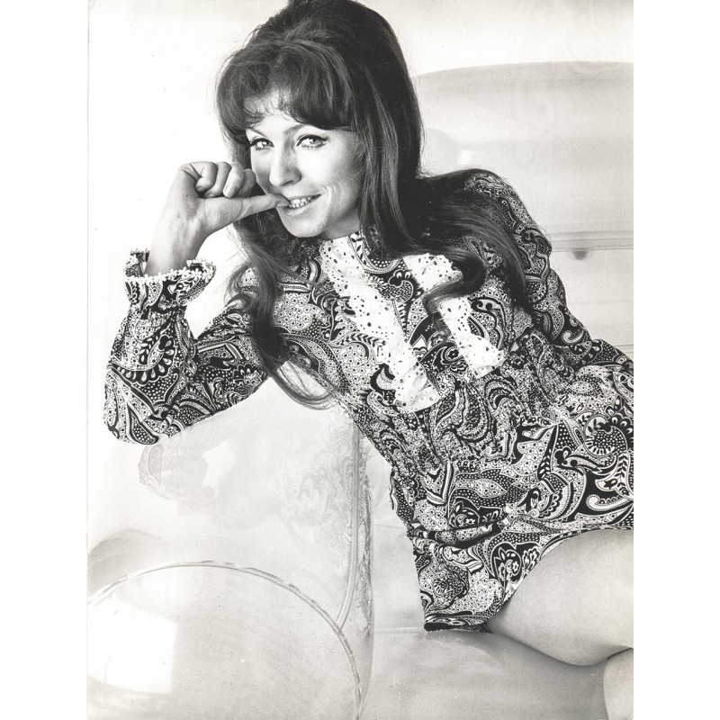 """BRAVO """"Otto-Wahl"""" 1969: Schlagersängerin """"Manuela"""" siegt in der Kategorie """"Sängerinnen"""". Original Foto (1969)"""