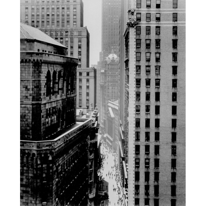 Andreas FEININGER: Between Cliff like Walls on Nassau Street. Original photo (approx. 1940 - print 2000)