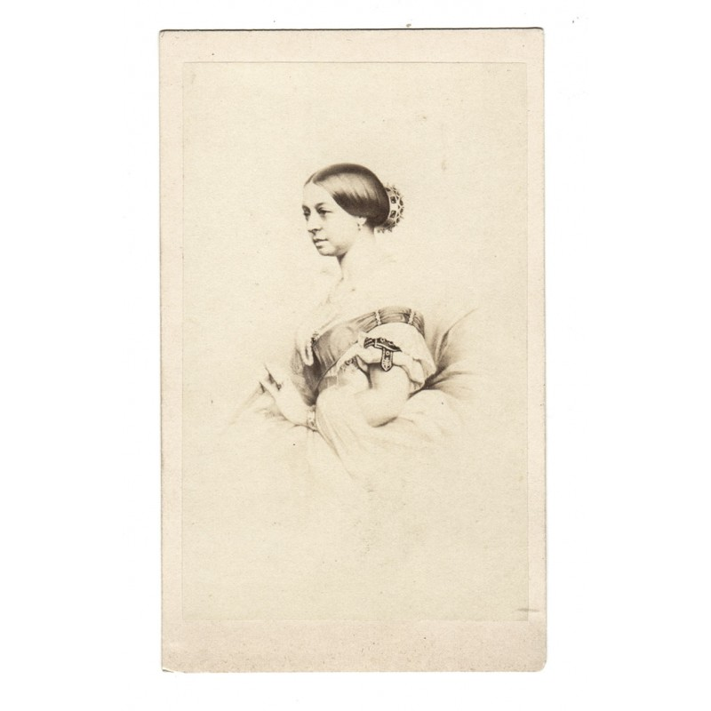QUEEN VICTORIA as a young woman. Original photography (end of 1850th).