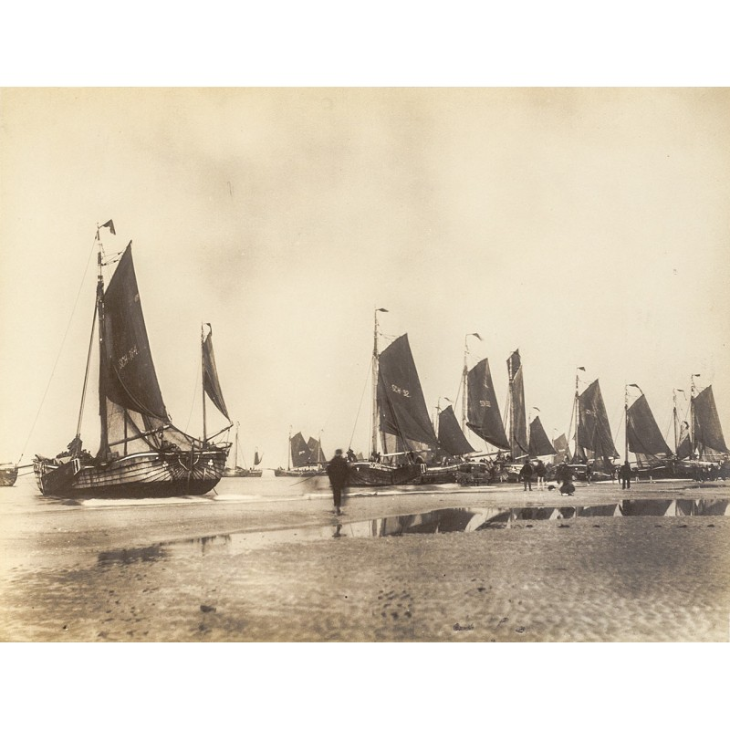 Scheveningen: Fishing boats on the North Sea beach. Original photography (approx. 1898)