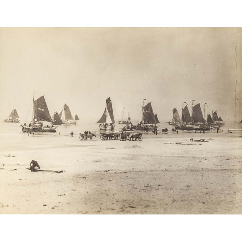 Scheveningen: Fish trawler at Northsea beach. Original photography (approx. 1898)