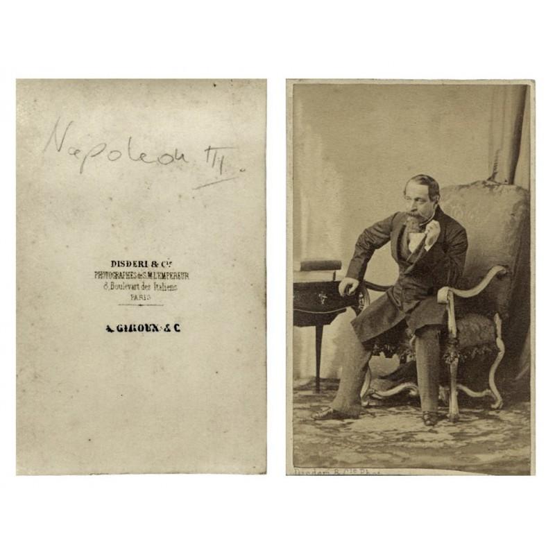 Napoleon III., seine Bartspitze zwirbelnd. Carte de Visite. Original Fotografie (ca. 1859).