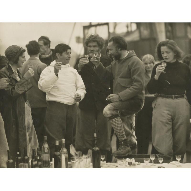 S.O.S. Movie picture - Vogel-Sandau: Knud Rasmussen is leaving the team (1932).