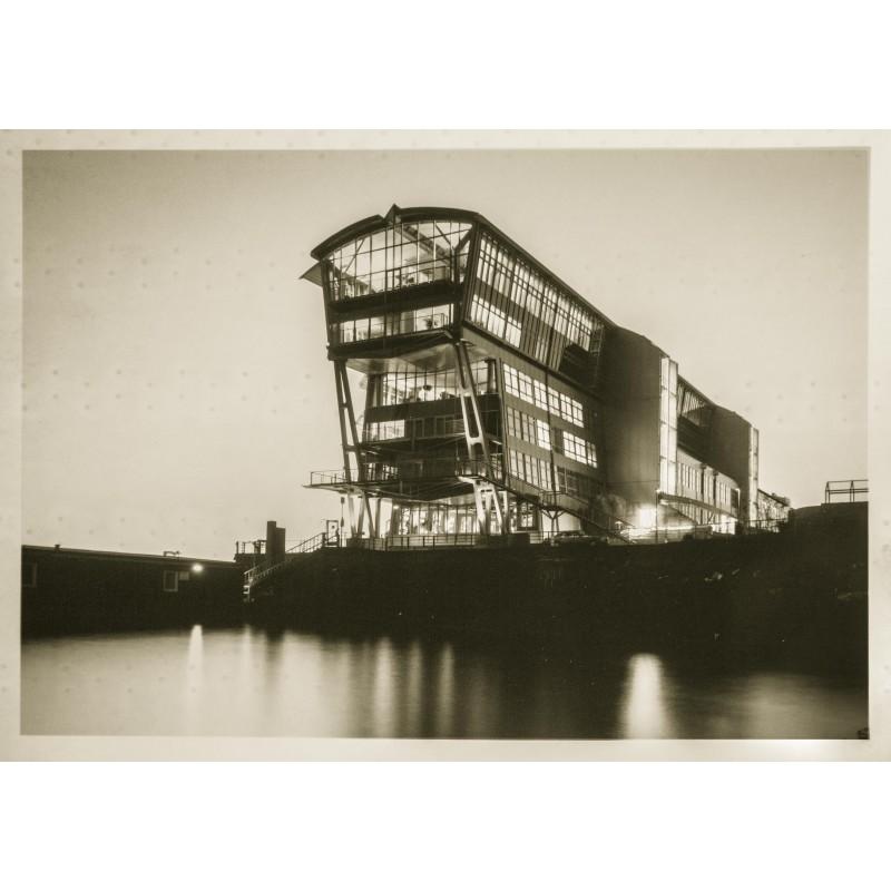 Klaus FRAHM: England Ferry Terminal, Hamburg 1993. Original photography.
