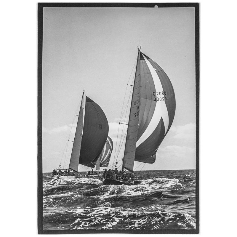 Yachtsegeln - Kieler Woche -Neumann, Peter - Yps:Die Yachten Pinta, Rubin und Christina. Original Fotografie.