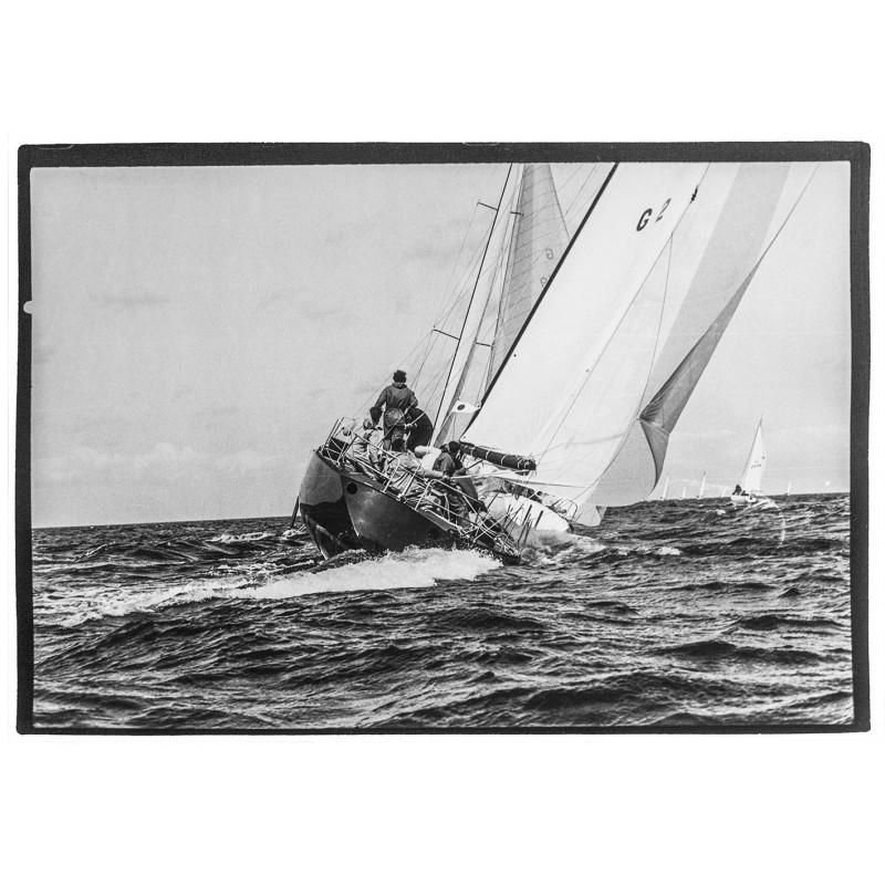 Kieler Woche - Neumann, Peter - Yps: Yacht Tine-i-Punkt (?) umrundet die Lee-Tonne. Original Fotografie.