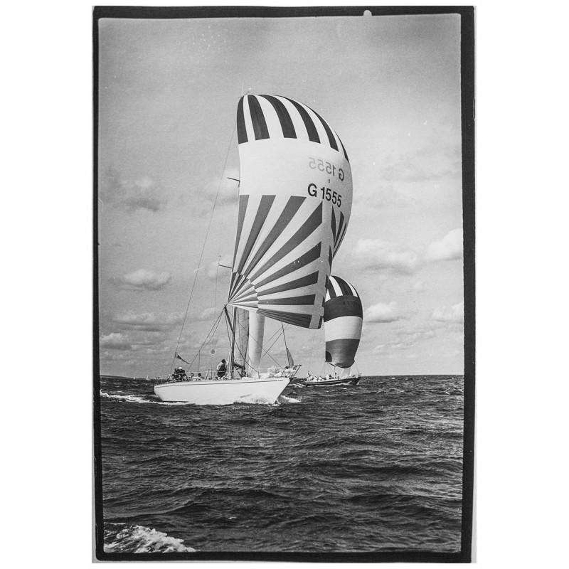Kieler Woche - Neumann, Peter - Yps: Die Yachten Jan Pott und Christine. Original Fotografie.