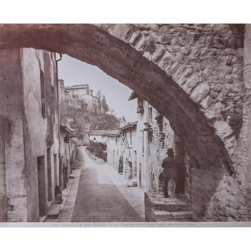 Edizione Alinari: Perugia. Via del Cardellino. Albumen print (approx. 1880).