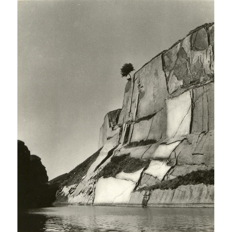 Jan LAUSCHMANN: Rock Cliff. Original photography.