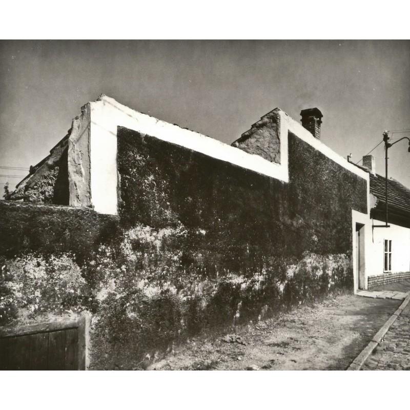 PROSEK, Josef: Schwarze Mauer. Original-Fotografie. Silbergelatine Abzug (1979)